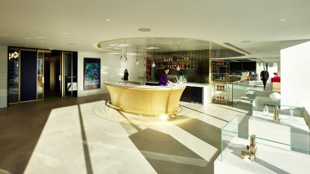 Concierge bar